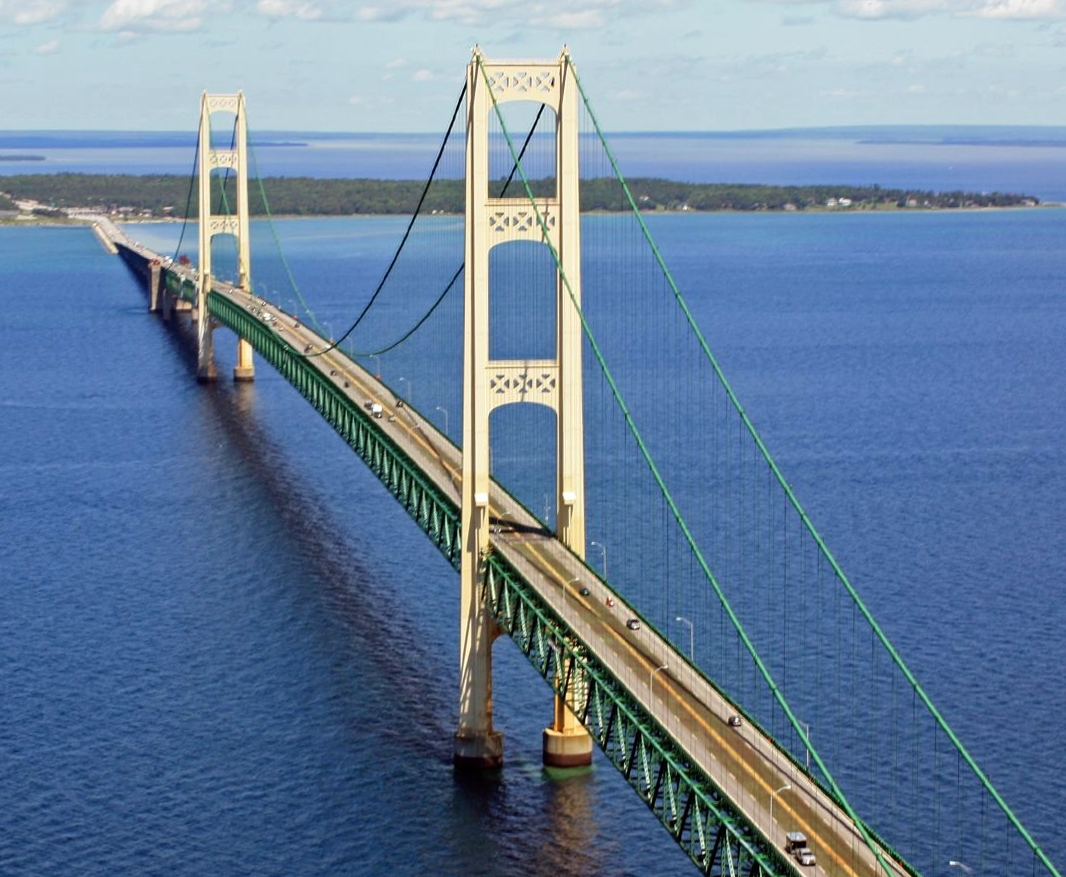 Mackinac_Bridge_from_the_air4